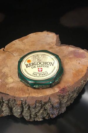 Reblochon french cheese