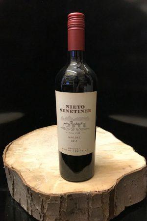 nieto senetiner malbec red wine